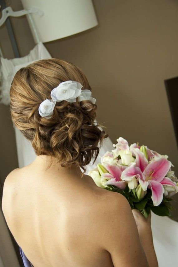 Свадьба - White Lily Flower Bridal Hair Pins, Bridal Hair Flowers, Bridesmaids Hair Flowers
