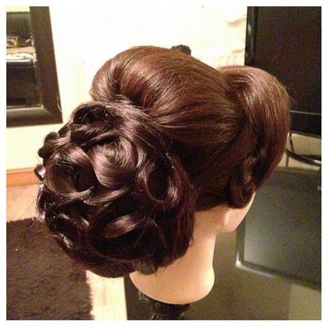 Hochzeit - A Bride's Bridal Hair