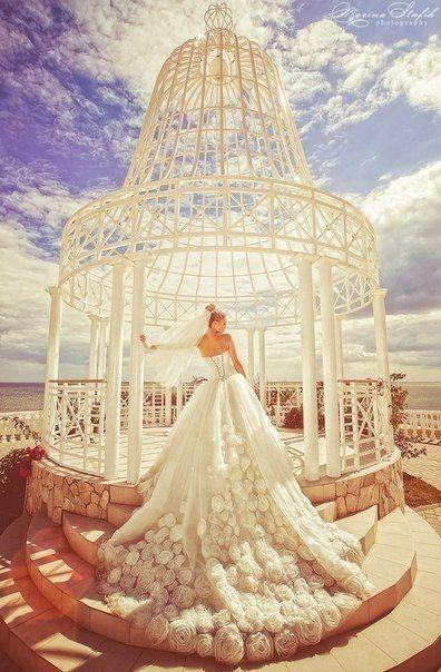 Свадьба - Long lace wedding dresses for girls