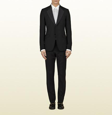 Hochzeit - Two-Button Black Heritage Tuxedo