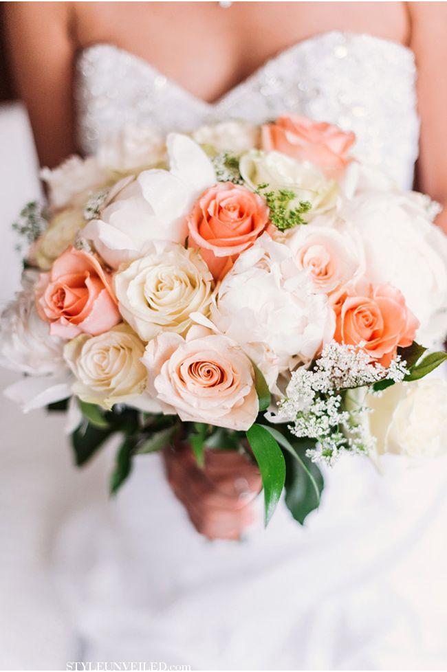Свадебный букет в персиковых тонах