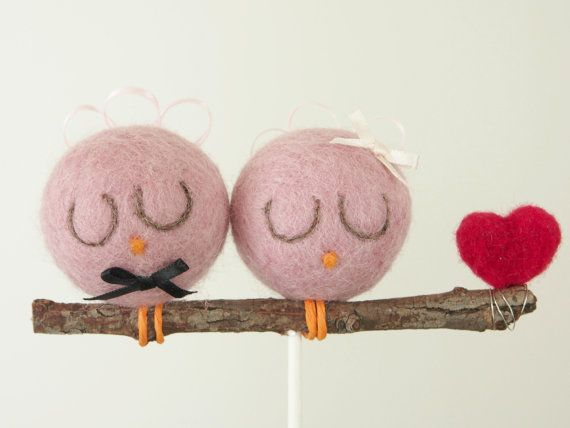 Свадьба - Bird Cake Topper Wedding, Pink Bride And Groom, Needle Felted Country, Spring
