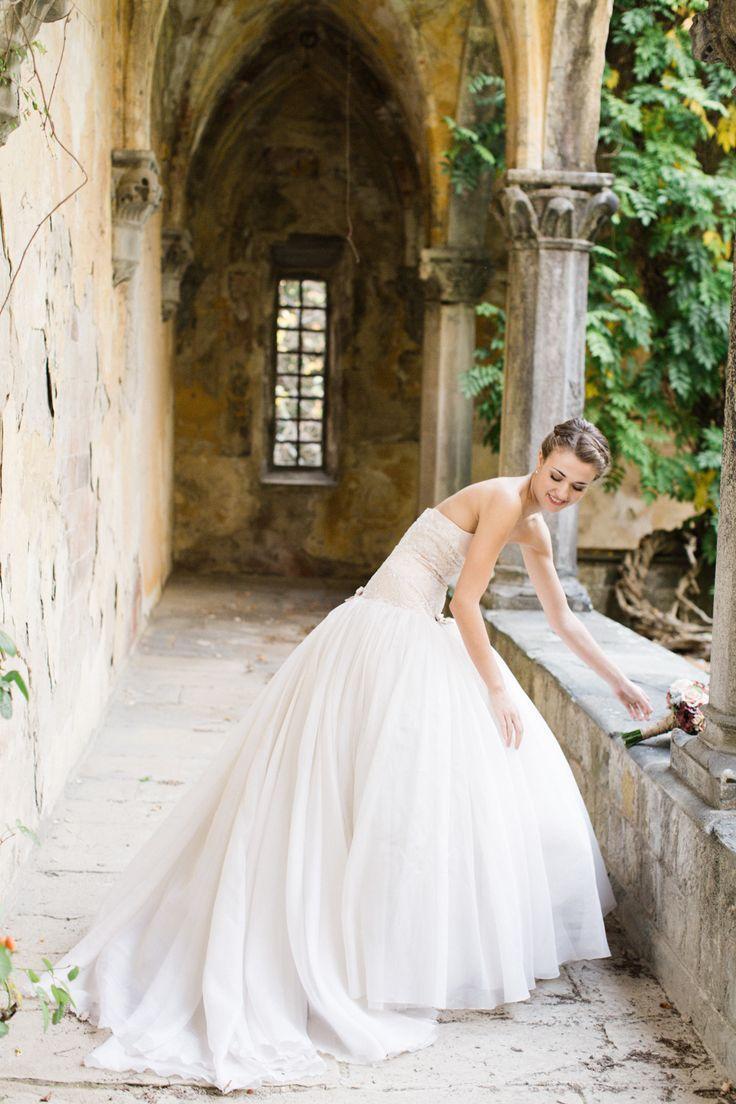 Boda - Bridal Gowns