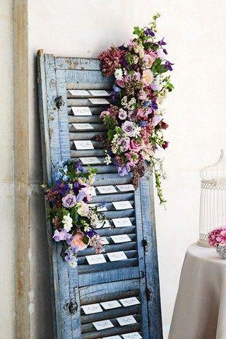 Mariage - Escort Card Display Idea; Rustic Themed Wedding (BridesMagazine.co.uk)
