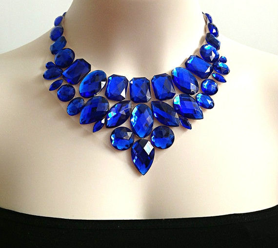 Свадьба - royal blue bib rhinestone necklace, wedding, bridesmaids, prom necklace, gift or for you NEW