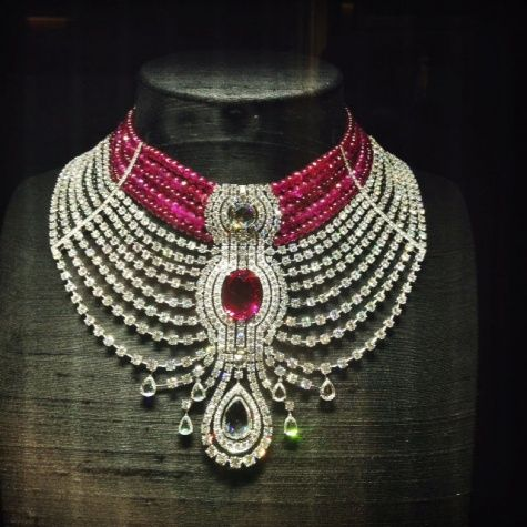 Свадьба - Cartier's Big And Bold Ruby Necklace