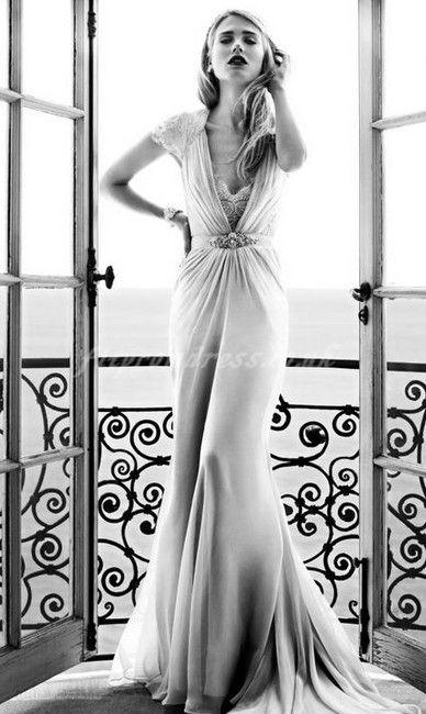 Свадьба - Wedding Dress Shopping: Dressing For Your Body Shape