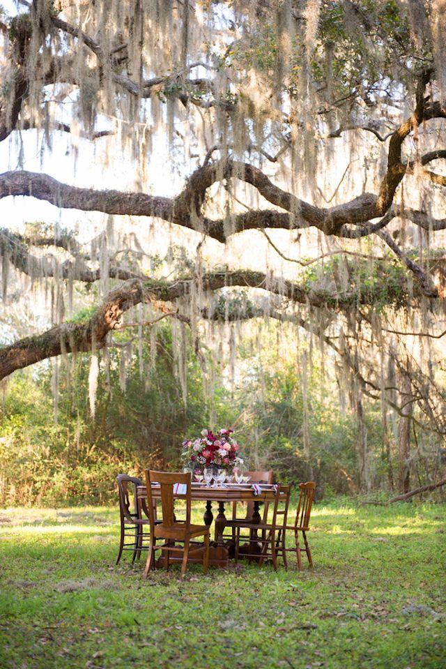 Hochzeit - Americana-themed Wedding With Antlers