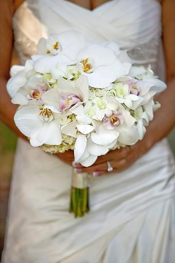 Свадьба - Ladies' Wedding Bouquets And A Gentleman's Boutonnieres❤️