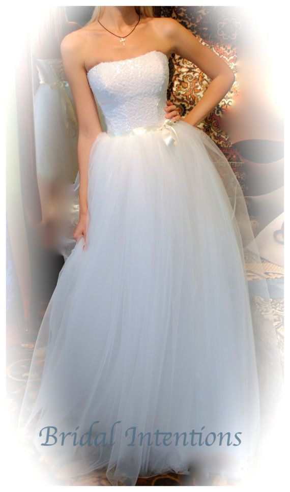 Mariage - Wedding Gown , Ball Gown, Full Tule Skirt, Corset Boned Bodice