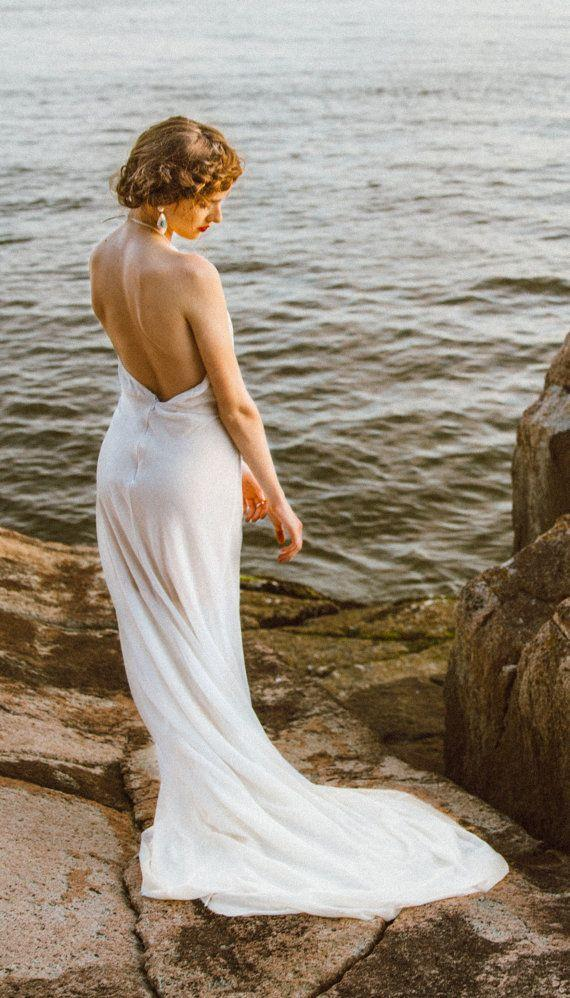 Elegant backless wedding dress in ivory cotton open back for Wedding dress undergarments low back