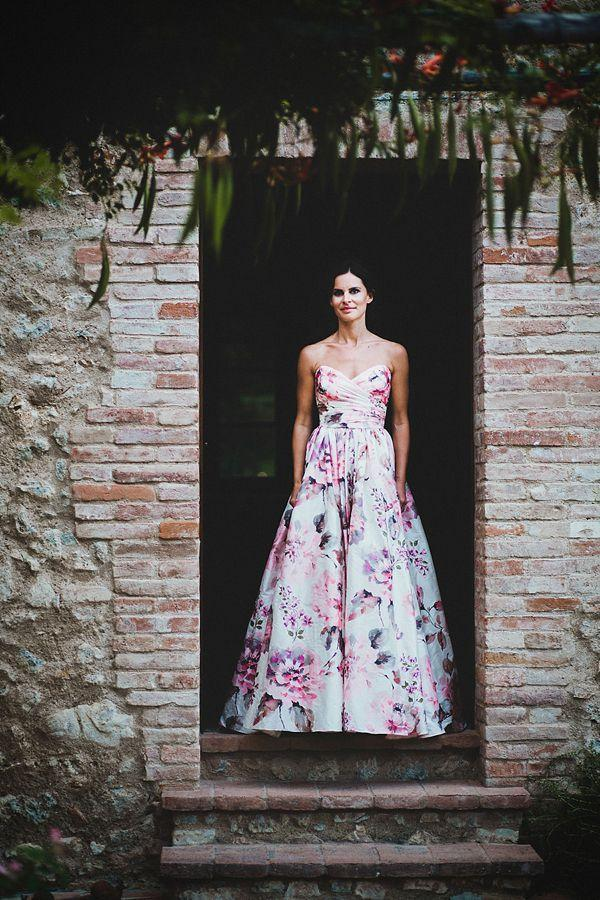 Hochzeit - 15 (Head-Over-Heels Gorgeous) Floral Wedding Dresses