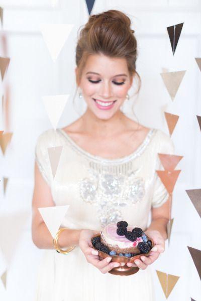 Свадьба - Mid-Century Glam Wedding Inspiration With Earthy Details