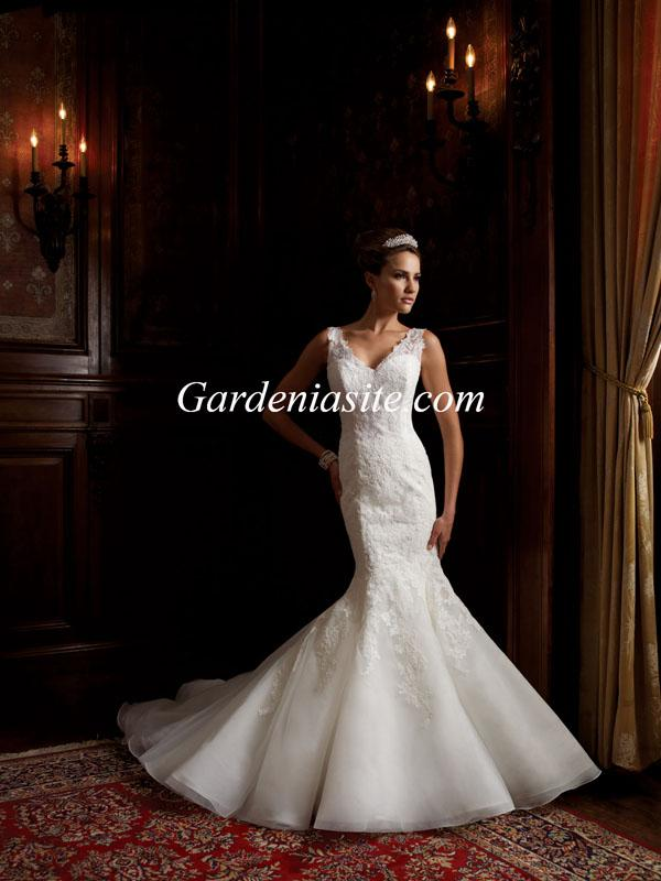 Nozze - Trumpet/Mermaid V-neck Court Train Applique Lace Organza Wedding Dress 2014