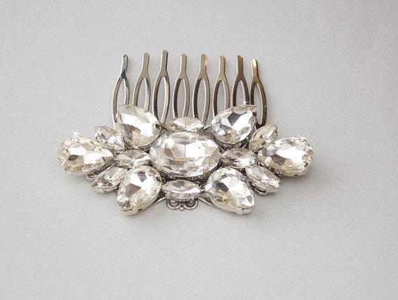 Hochzeit - Vintage Style Wedding Hair Comb, Crystal Bridal Hair Piece, Rhinestone Bridal Hair Comb, Wedding Hair Accessory, Vintage Hair Piece - CHERI