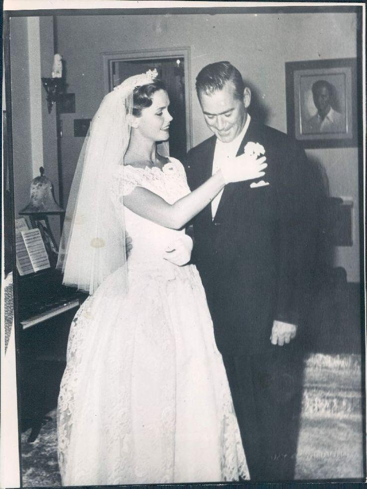 Wedding - 1962 Beautiful Actress Lee Remick In Wedding Dress With Her Husband Wire Photo