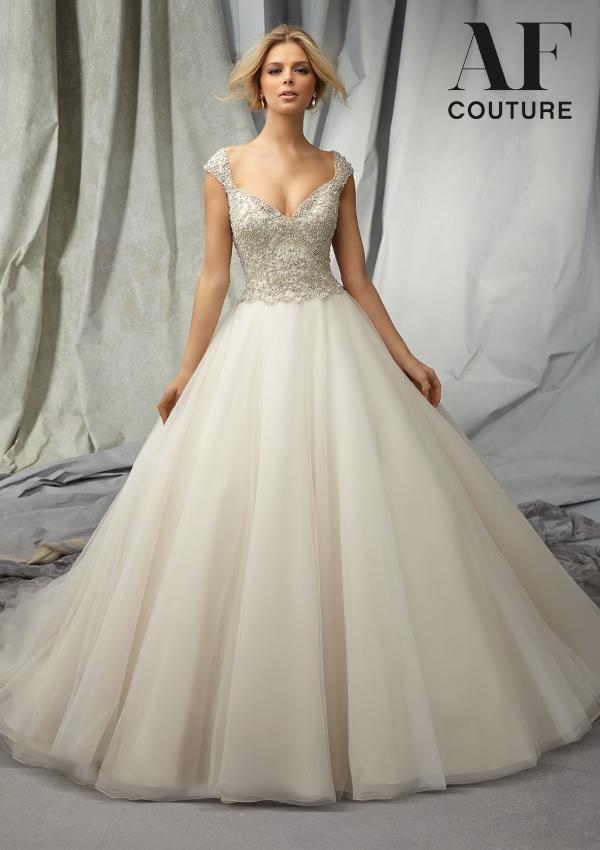 Свадьба - Short Sleeved/Cap Sleeved/Off The Shoulder Sleeves Wedding Gown Inspiration