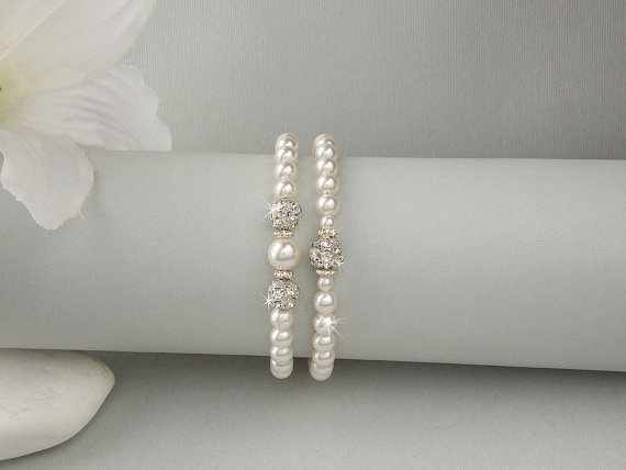 Hochzeit - Bridal Bracelet - Wedding Bracelet, Swarovski Pearls, Swarovski Crystal, Wedding Jewelry, Bridesmaid Jewelry, Bridesmaid Bracelet - MADISON