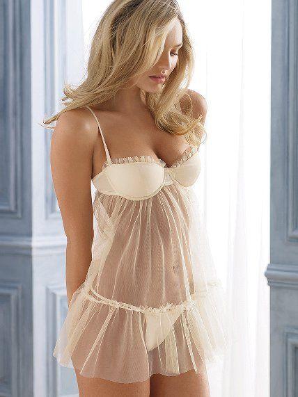 смотреть женщины в просвечивающем белье