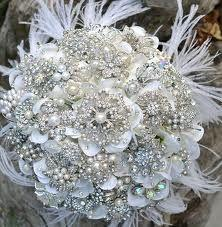 Mariage - Deposit For An Heirloom Rich Pearl Brooch Bouquet With Ostrich Feathers -- Made-to-order Bridal Bouquet