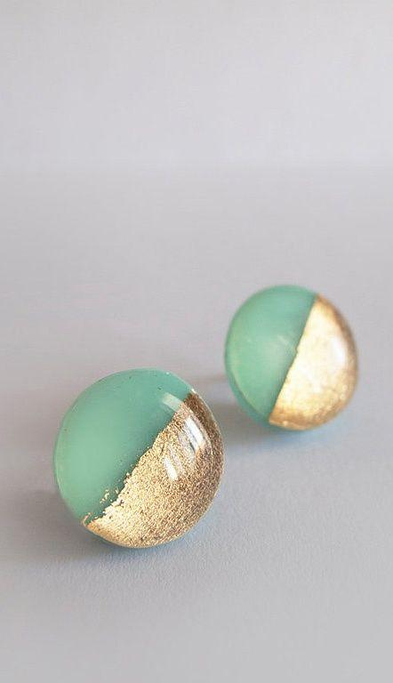 Свадьба - Mint Green Gold Round Stud Earrings - Surgical Steel Posts