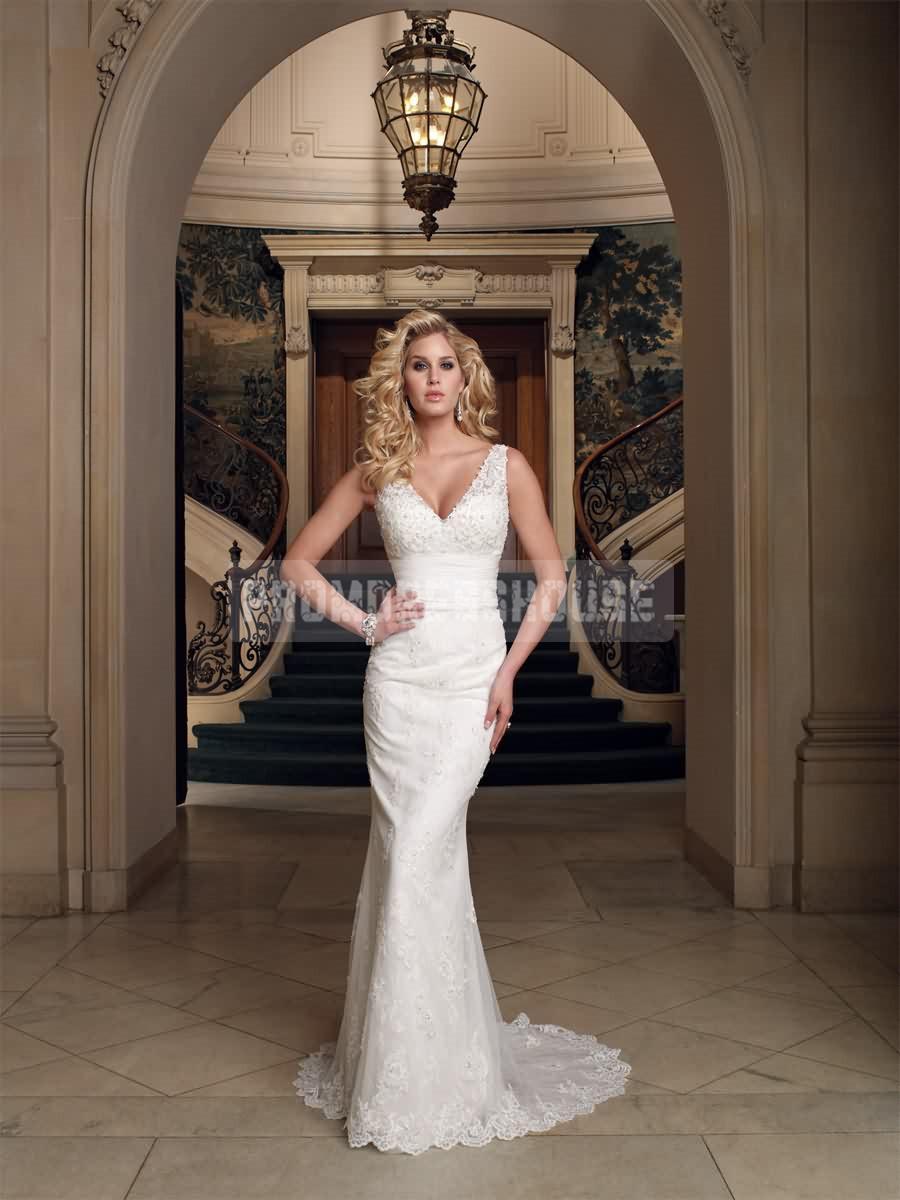 Свадьба - Column Lace Elegant Low V-neck Buttons Wedding Dress - Promdresshouse.com