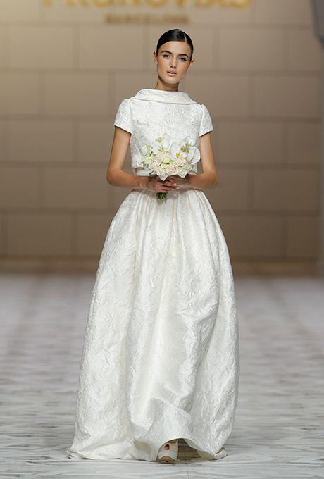 زفاف - Pronovias Wedding Dresses Fall 2015 Bridal Runway Shows Brides.com