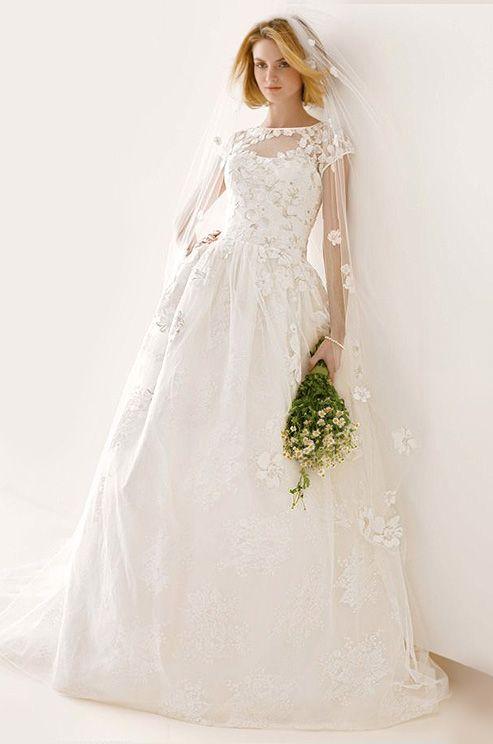 Hochzeit - Melissa Sweet For David's Bridal, Fall 2014 Features A Stunning Floral Wedding Veil.