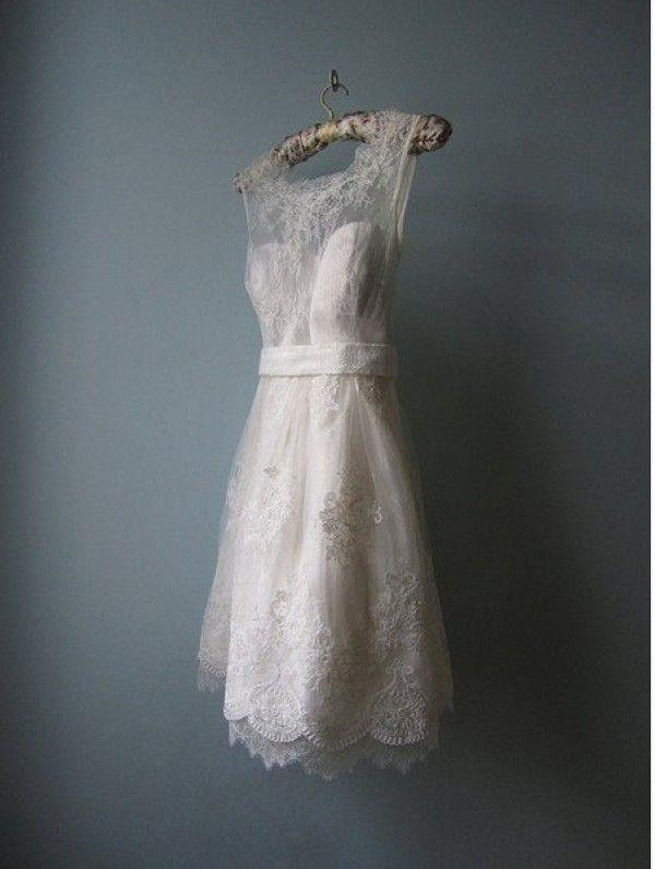 Hochzeit - Vintage Wedding Dresses Just The Way We Like Them: Short And Sweet