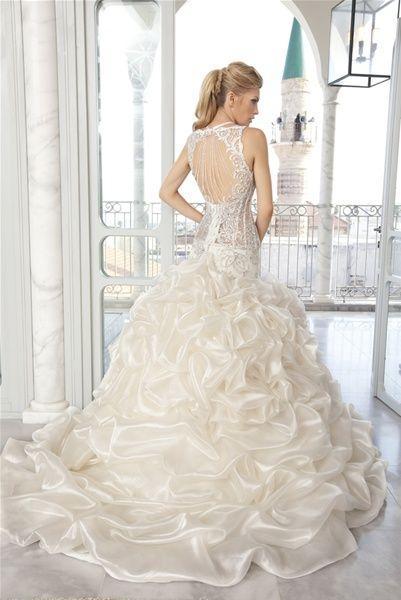 Hochzeit - Sleeveless Wedding Gown Inspiration