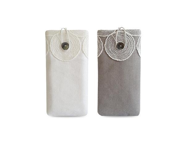Wedding - Handyhülle Canvas weiß & grau mit Spitze