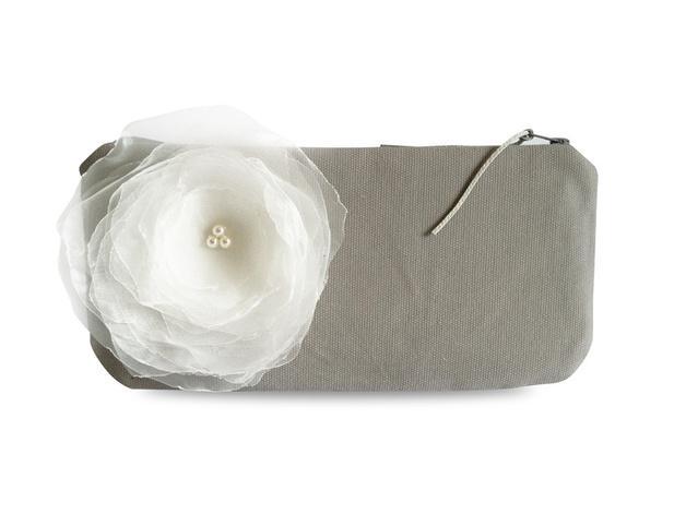 Свадьба - Clutch, Canvas grau mit weißer Blume