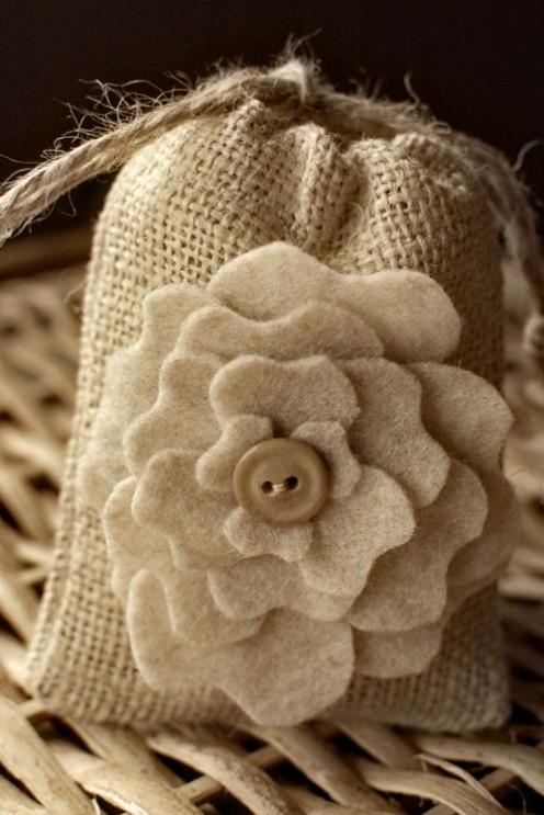 Burlap And Bling How To Use Burlap In Your Wedding Decor And Still