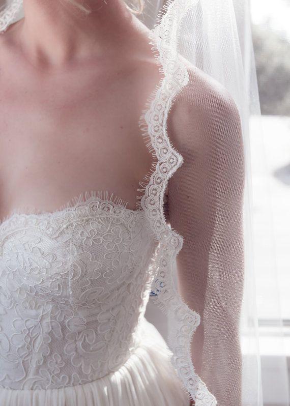 Свадьба - Delicate Alencon Lace Border Bridal Wedding Veil, Chantilly Fringe Lady Eyelash Lace, Bridal Illusion Tulle, Style: Lil' Lady Eyelash #1102