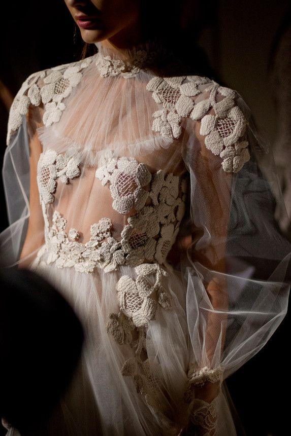 Hochzeit - Photos: Couture Spring 2012