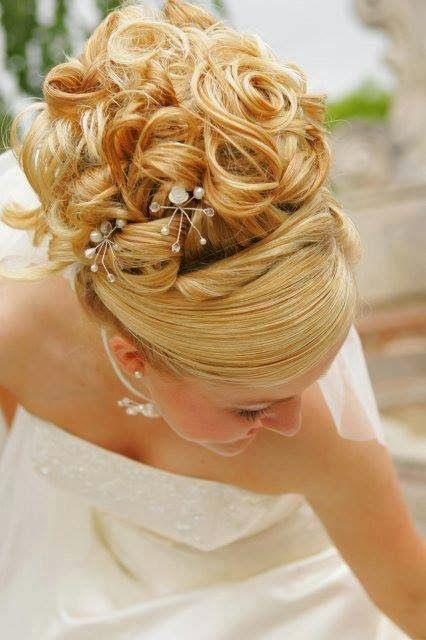 Wedding - A Bride's Bridal Hair
