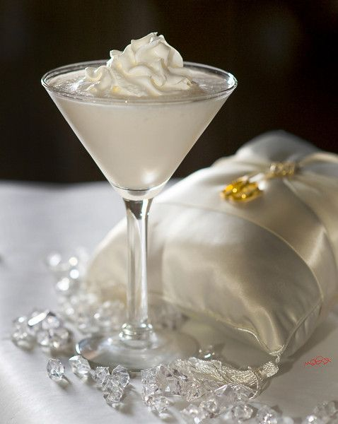 Wedding Cake Martini 1 5 Oz Vanilla Vodka 1 2 Oz Malibu Coconut