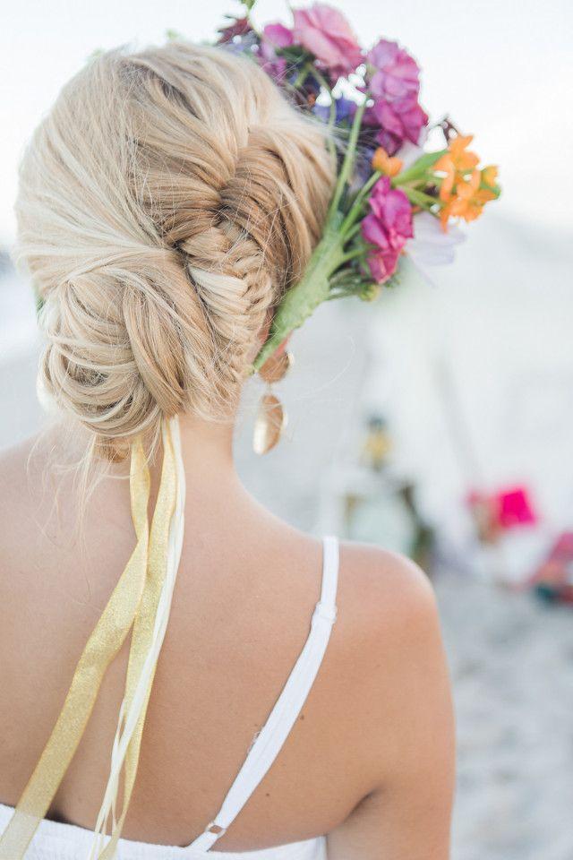 Свадьба - Ideas & Inspirations: Boho Beach Picnic With The Girls