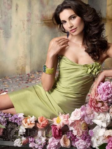 Mariage - Pear Color Silky Taffeta Strapless A-line Knee-length Flower Bridesmaid Dress
