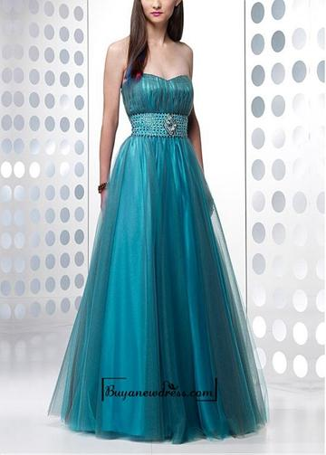 Hochzeit - Alluring Tulle & Strech Satin A-line Strapless Sweethert Neckline Empire Waist Beaded Full Length Prom Dress