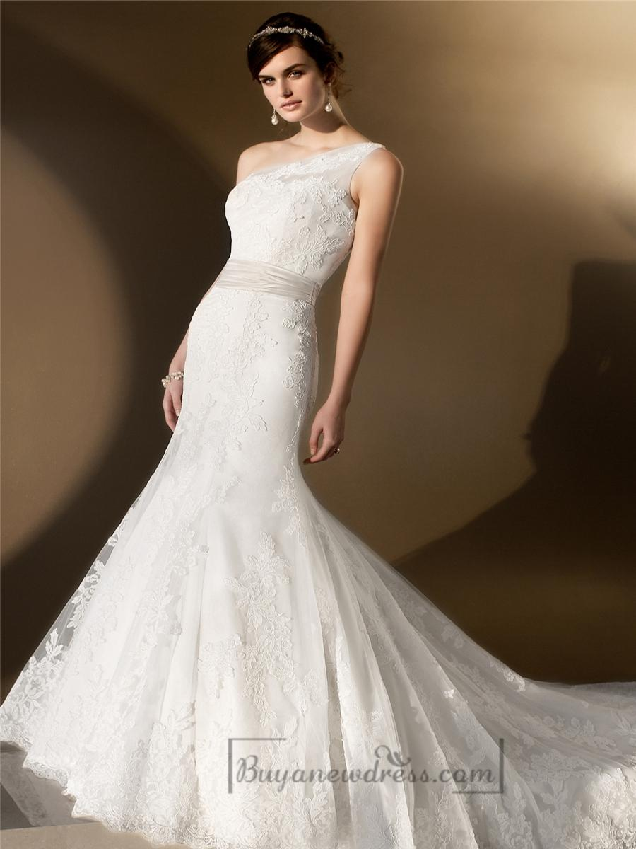 Elegant asymmetrical one shoulder trumpet lace wedding for Lace one shoulder wedding dress