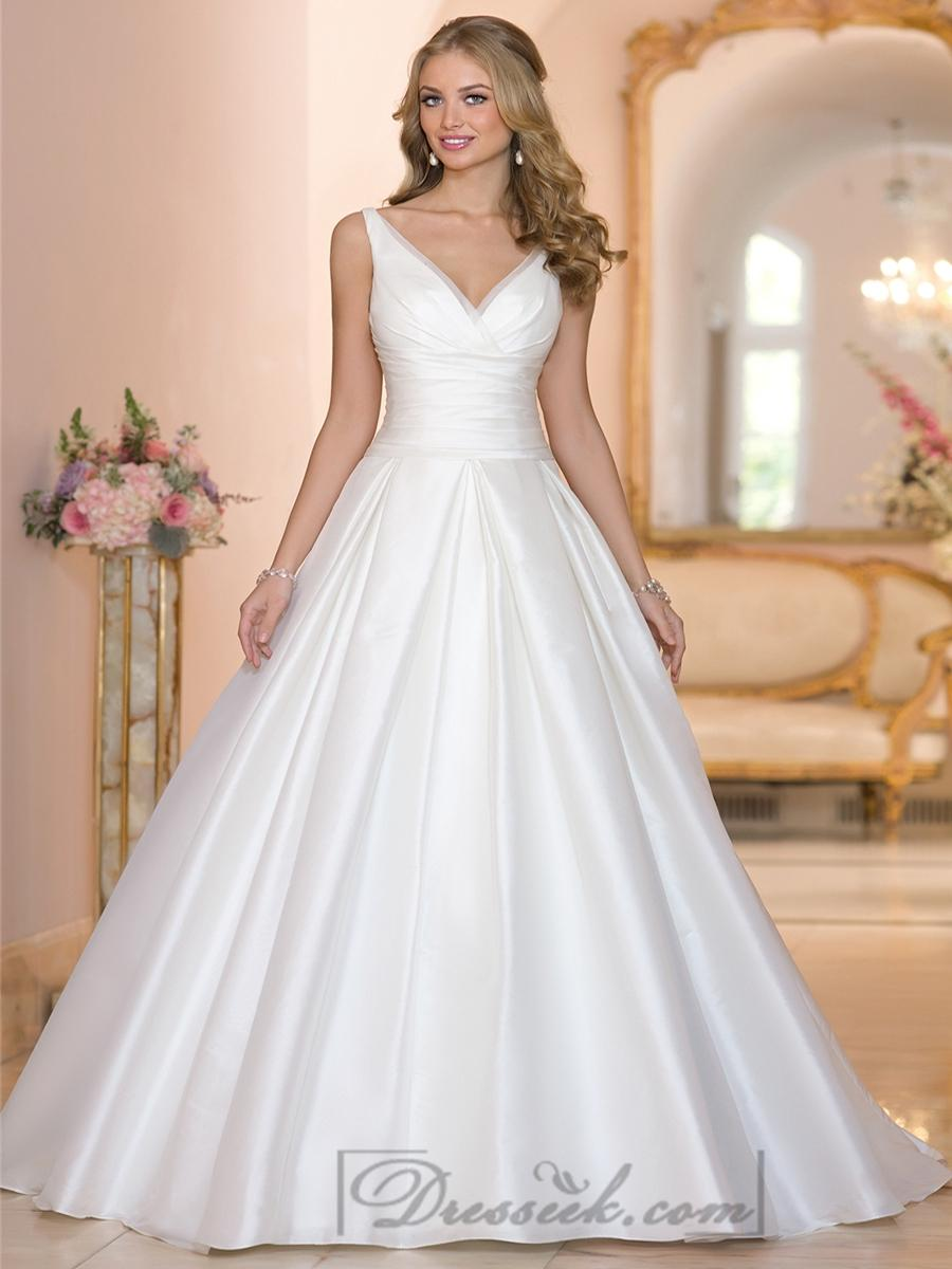زفاف - Straps A-line V-neck and V-back Wedding Dresses