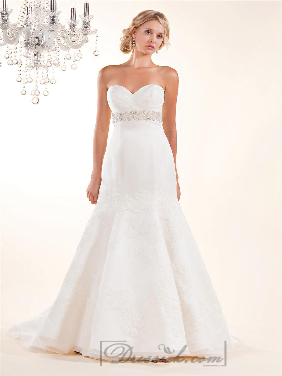 Свадьба - Fit and Flare Cross Sweetheart with Lace Appliques and Beaded Belt