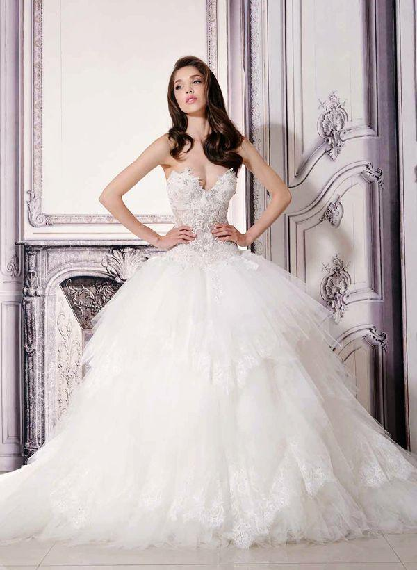 20 Breathtaking Wedding Dresses For Glamorous Brides