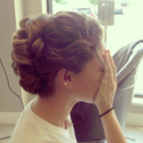 زفاف - A Bride's Bridal Hair
