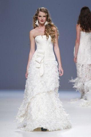 Wedding - Best Designer Wedding Dresses 2014 (BridesMagazine.co.uk)