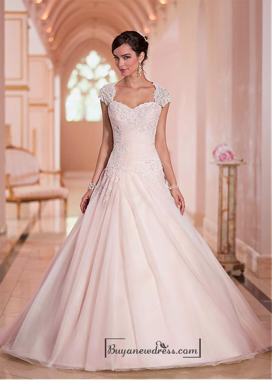 Wedding - Alluring Tulle Sweethart Neckline Natural Waistline Ball Gown Wedding Dress