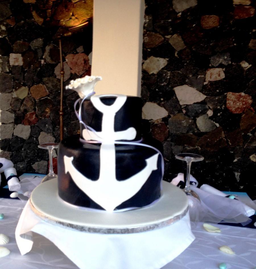 Wedding - Santorini wedding cake - in a sunset wedding