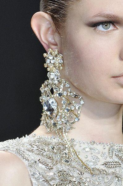 Свадьба - Naeem Khan At New York Fall 2010 (Details)