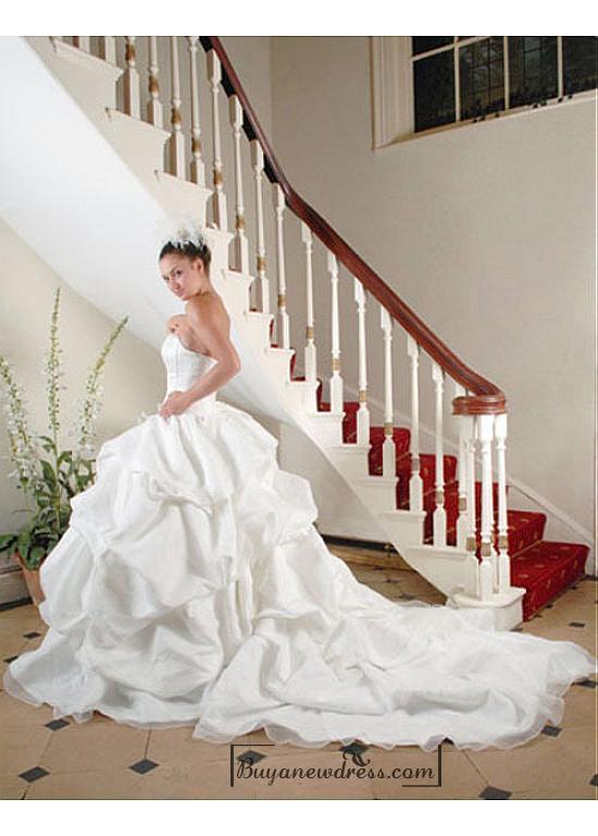 Wedding - Beautiful Organza Ball Gown Inverted Basque Waistline Wedding Dress In Great Handwork